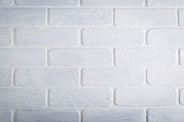 Идеи за стените в коридора - ламперия като тухли