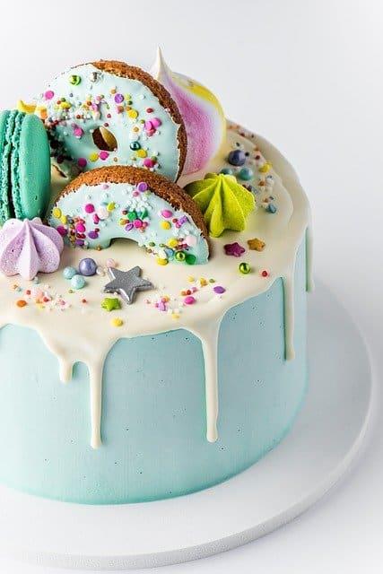 как да украсим тортата?